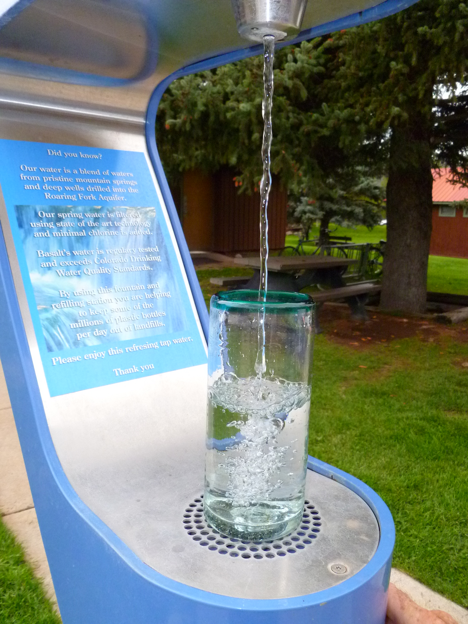 Refill your water bottle with Basalt tap water